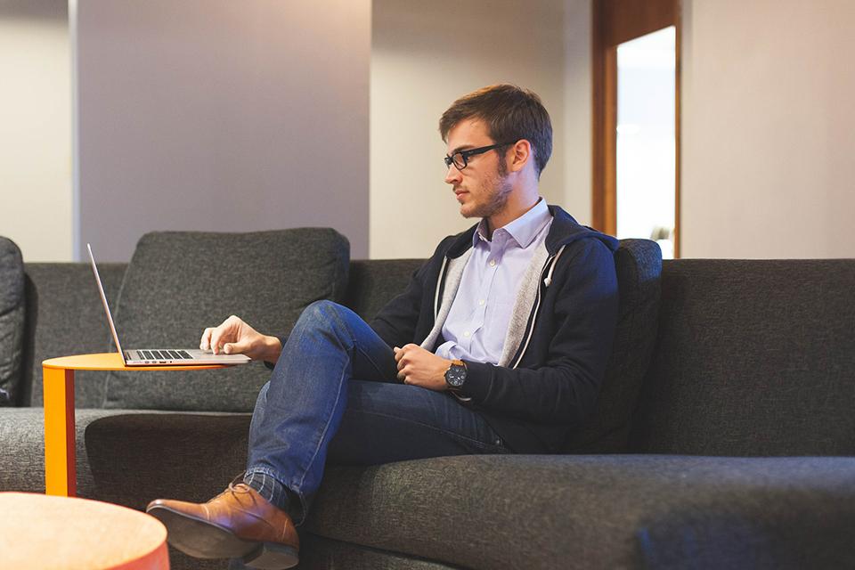オウンドメディア担当がWebマーケティングスキルで副業を始める方法
